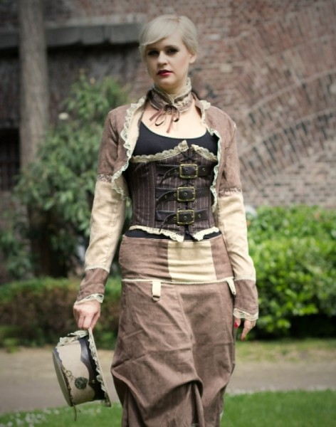 Rock Bustle Steampunk Vintage