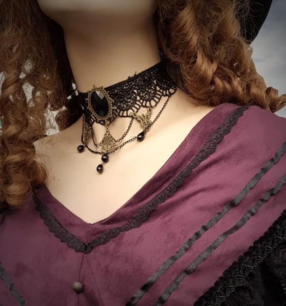 Halskette im Colonial Stil