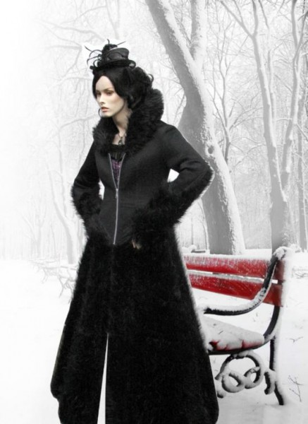 Fellmantel im Gothic Style