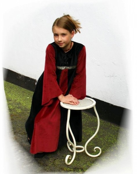Kleid Princesita Samt 9-12 Jahre