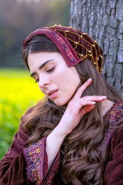 mittelalterliche Kopfbedeckung Perlen