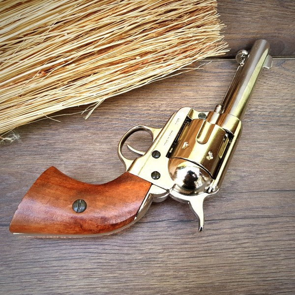 Colt Peacemaker Revolver Cowboy