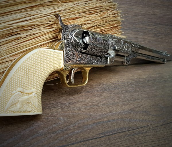 Colt Revolver Navy creme