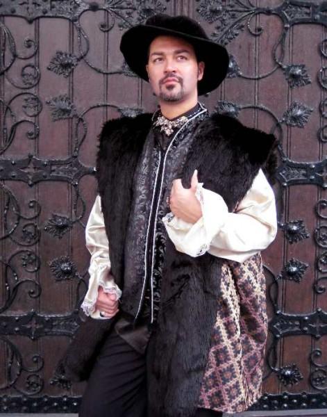 Die Tudors Fellmantel