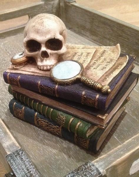 Dose viktorianisch mit Schädel
