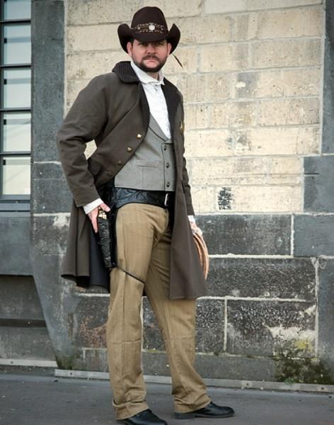 Mantel Biedermeier Western