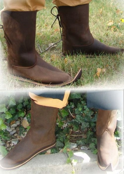 Stiefel Mittelalter mit Spitze aus Leder
